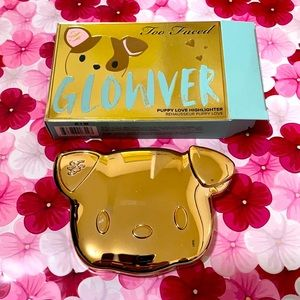 HOST PICK Too Faced - Glowver Highlighter